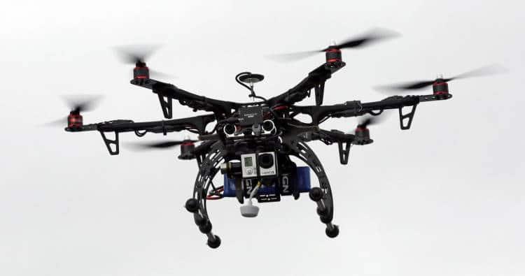 drone maveillant