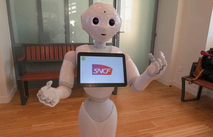 L'humanoïde Pepper débarque dans les gares SNCF