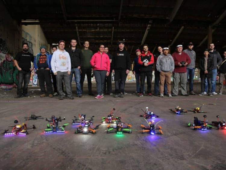 fpv racing : Une course de drone à 130 km/h en plein Paris !