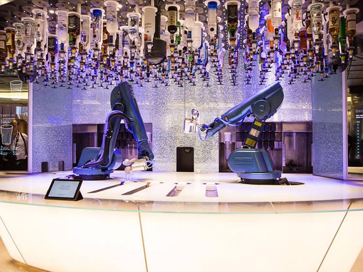 des robots barmen