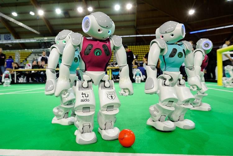 Cet été, il n'y a pas que l'Euro, il y aussi la RoboCup du monde!