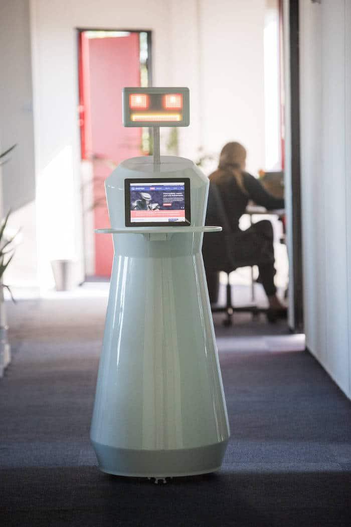Sheldon, le robot de service des aéroports de Paris