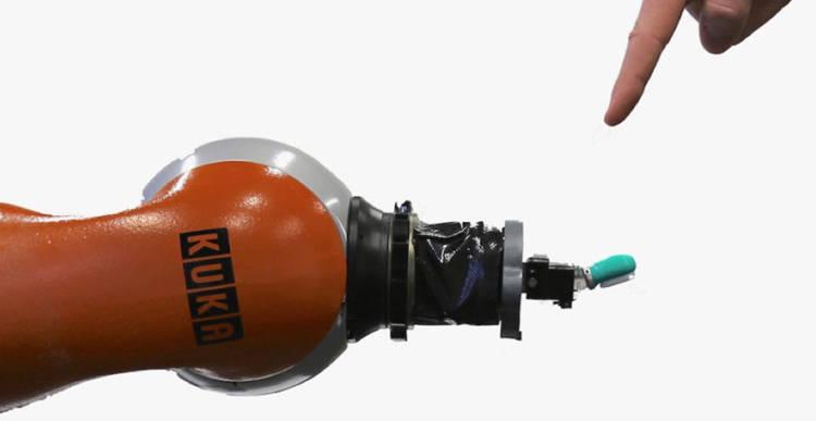 Kuka : Un système nerveux artificiel permet aux robots de ressentir la douleur
