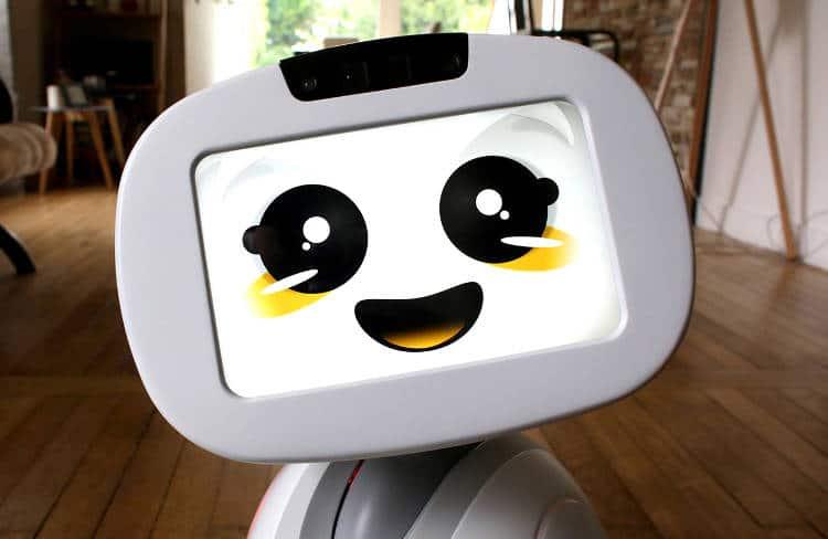 Français, pas cher: le robot de compagnie Buddy fait craquer le monde entier