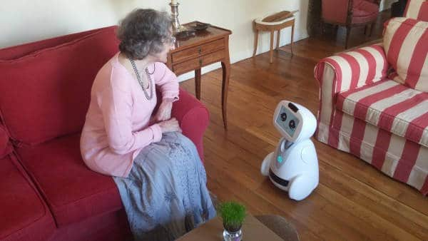 obot compagnon pour les seniors