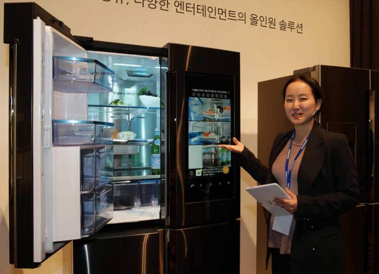 réfrigérateur connecté de Samsung fait des photos de l'intérieur du frigo