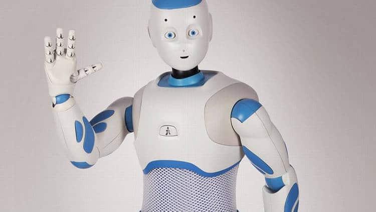 Quel robot de compagnie choisir pour un senior? robot de compagnie romeo