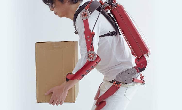 L'exosquelette social pour les entreprises de services se démocratise au Japon – quand suivrons-nous?