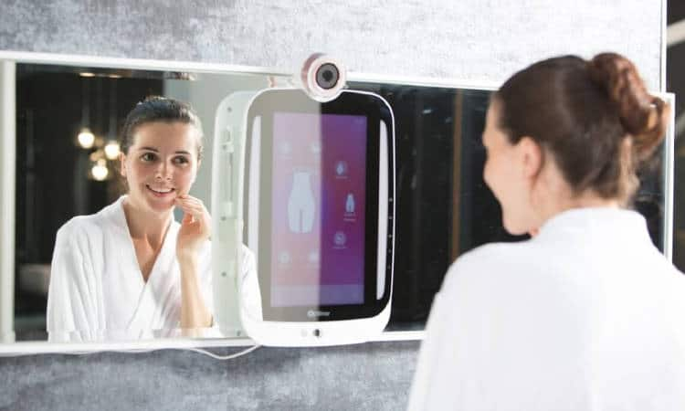 Idée cadeau: un miroir connecté pour la touche beauté de ce Noël