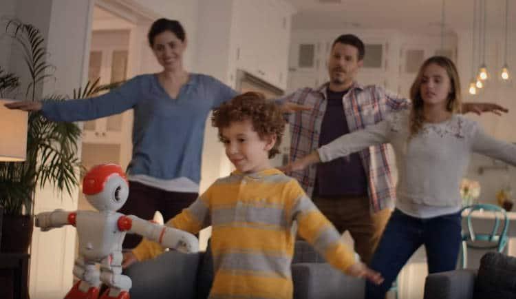 alpha2 est un robot compagnon ludique