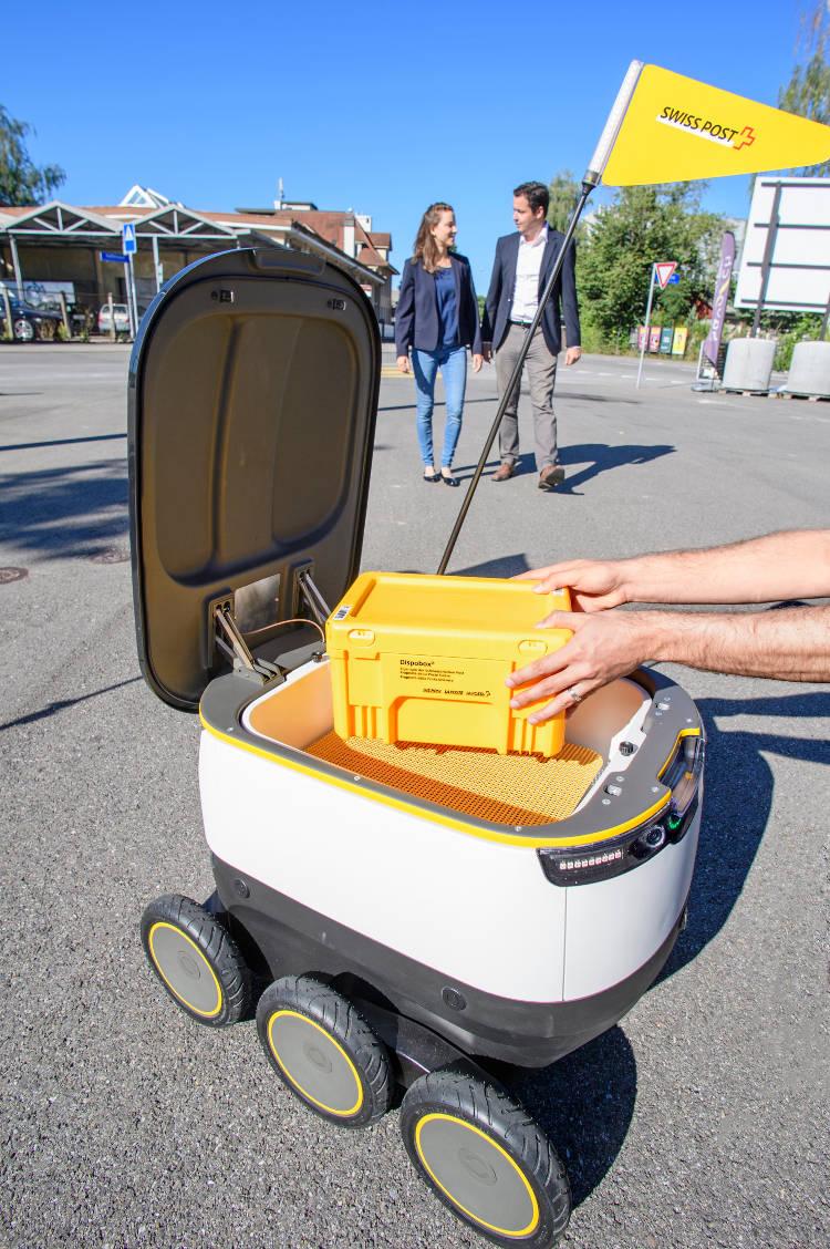Des robots facteurs devant votre porte !