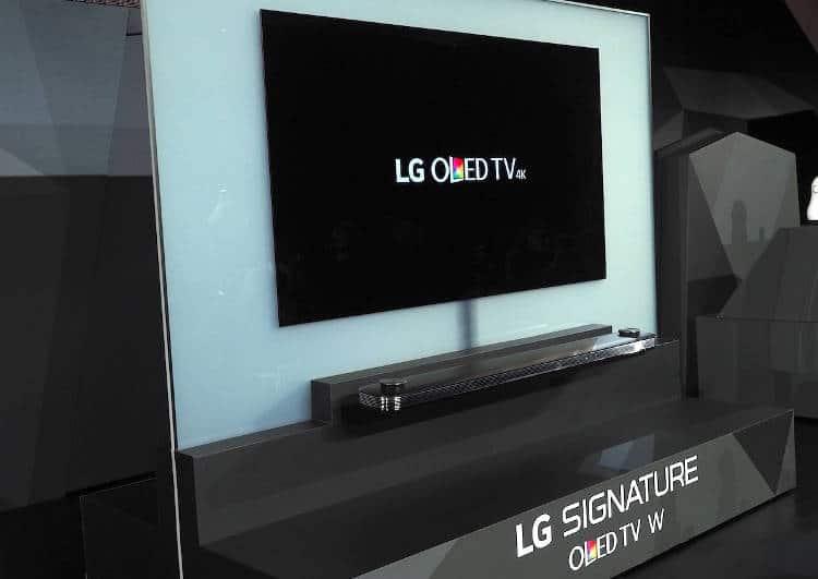 LG a conçu un téléviseur aussi fin qu'une photographie (moins de 3 mm)