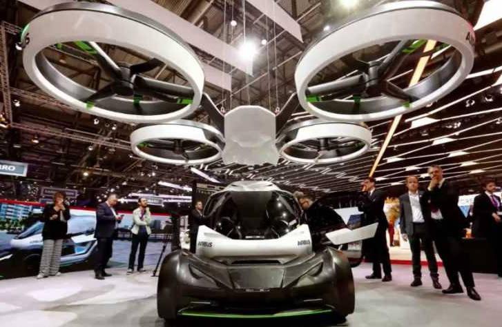 Airbus dévoile sa voiture volante au salon de l'automobile (et ça vaut le coup!)