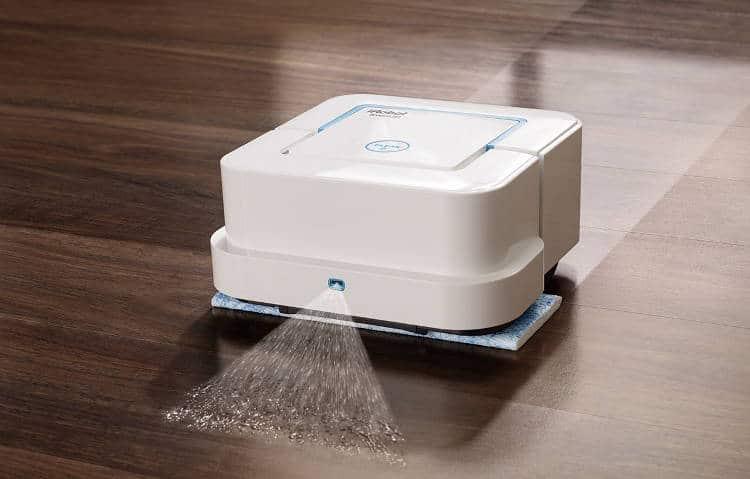 Le BraavaJet: un robot nettoyeur pour remplacer la serpillière de la salle de bains