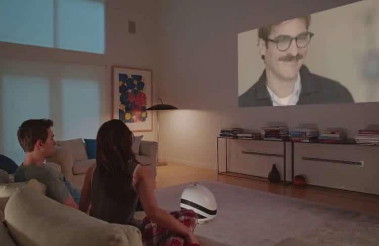 Un robot pour regarder Netflix en projection grand format sur les murs de votre maison