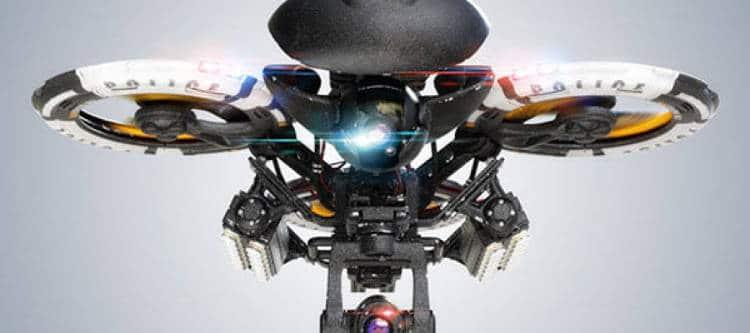Police de l'air: des drones et des aigles