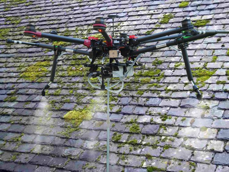 Le «drone Spray» transforme le secteur du nettoyage industriel