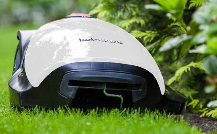 Le robot tondeuse MC 800: gamme intermédiaire de la marque Robomow