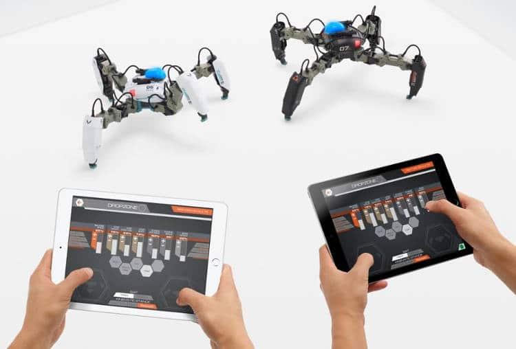 Pour Noël, offrez MekaMon : un robot-araignée en réalité augmentée !