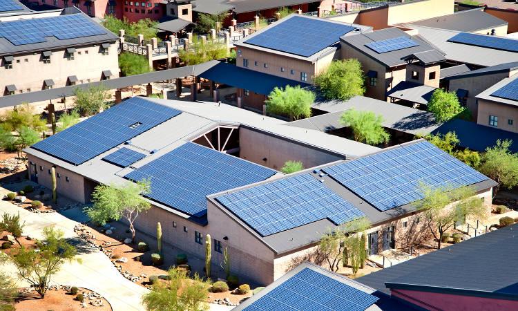 Elon Musk a encore vu les choses en grand avec Solar City et Tesla: une île du Pacifique entièrement autonome en énergie et une démo à Wisteria Lane